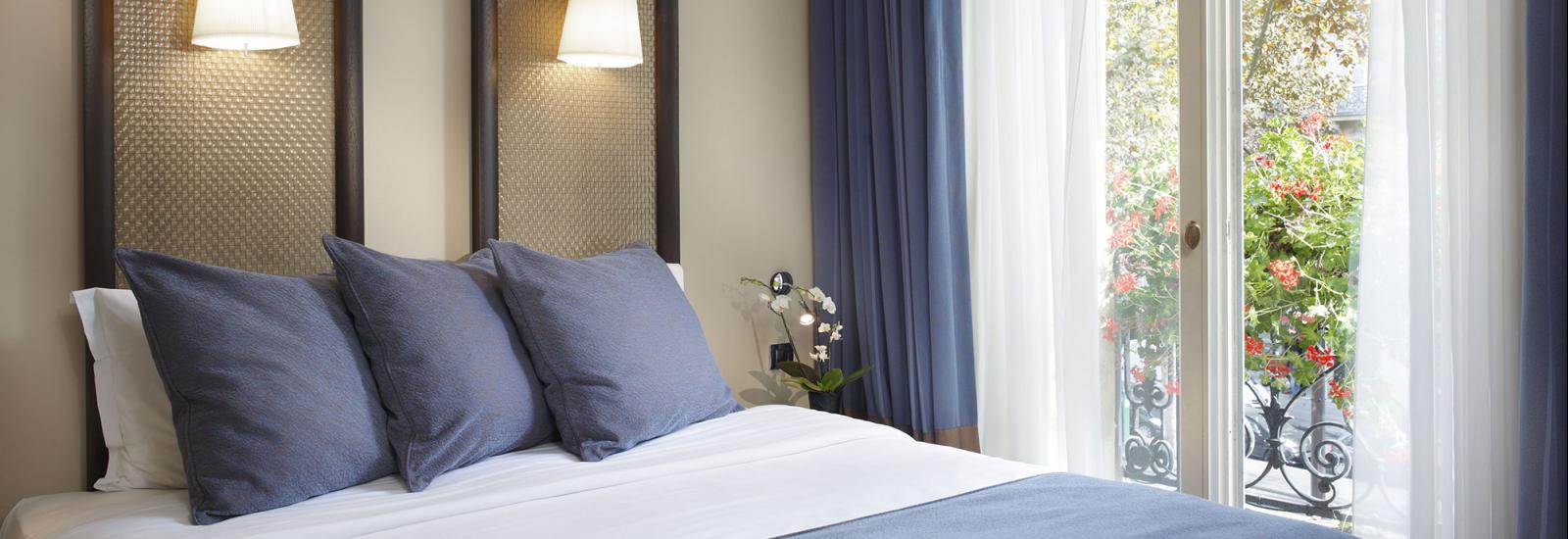 Standard Family Room Design Hotel Elysees Regencia Paris 4 Star
