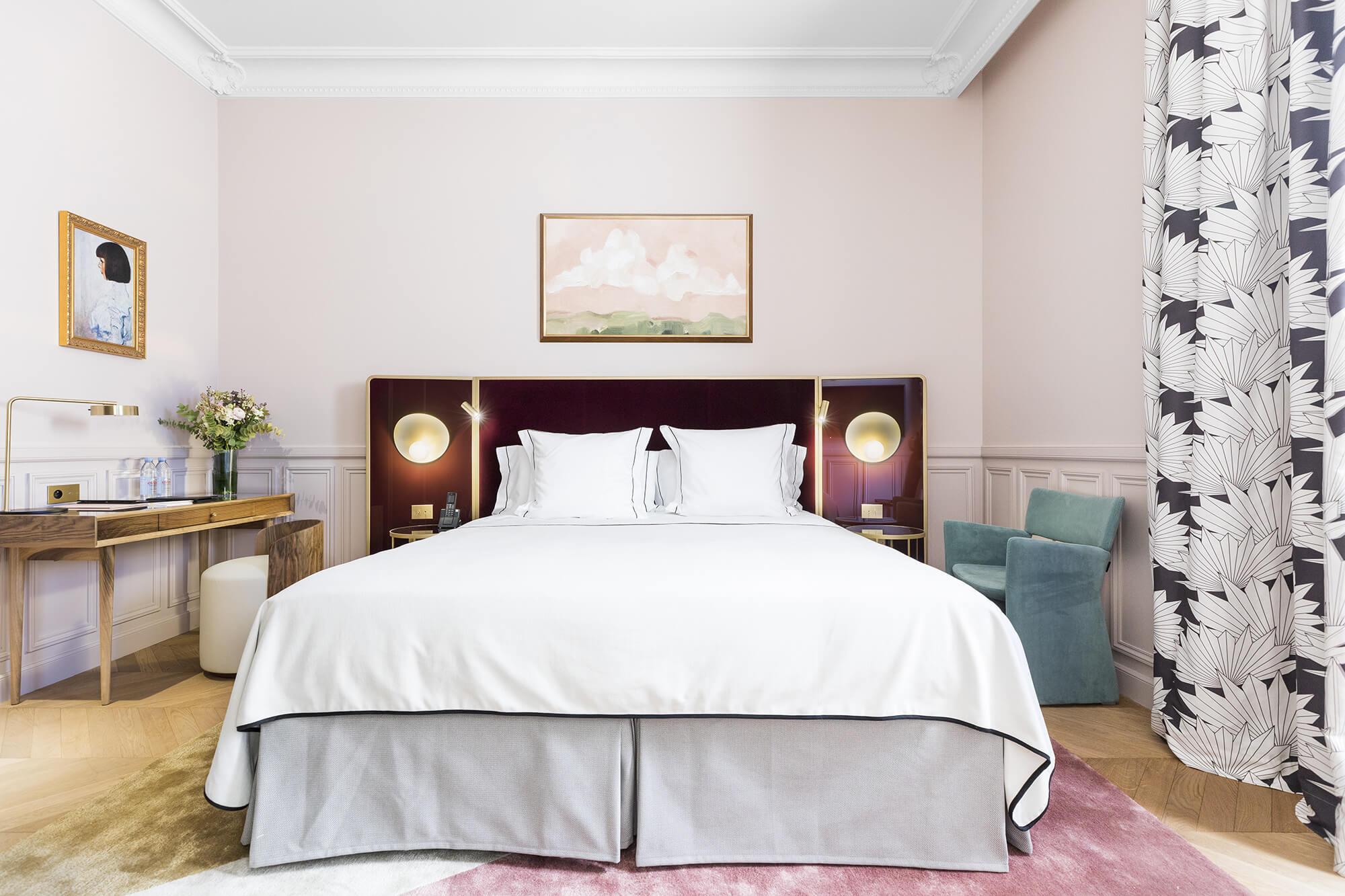 Chambre Supérieure, rose, Grand Powers, hôtel, Paris 8ème