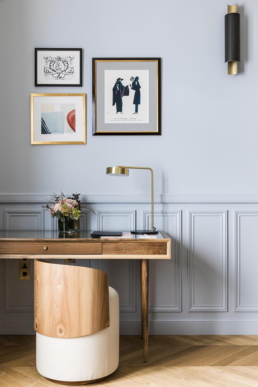 Deluxe room, desk, Grand Powers, hotel, Paris 8th
