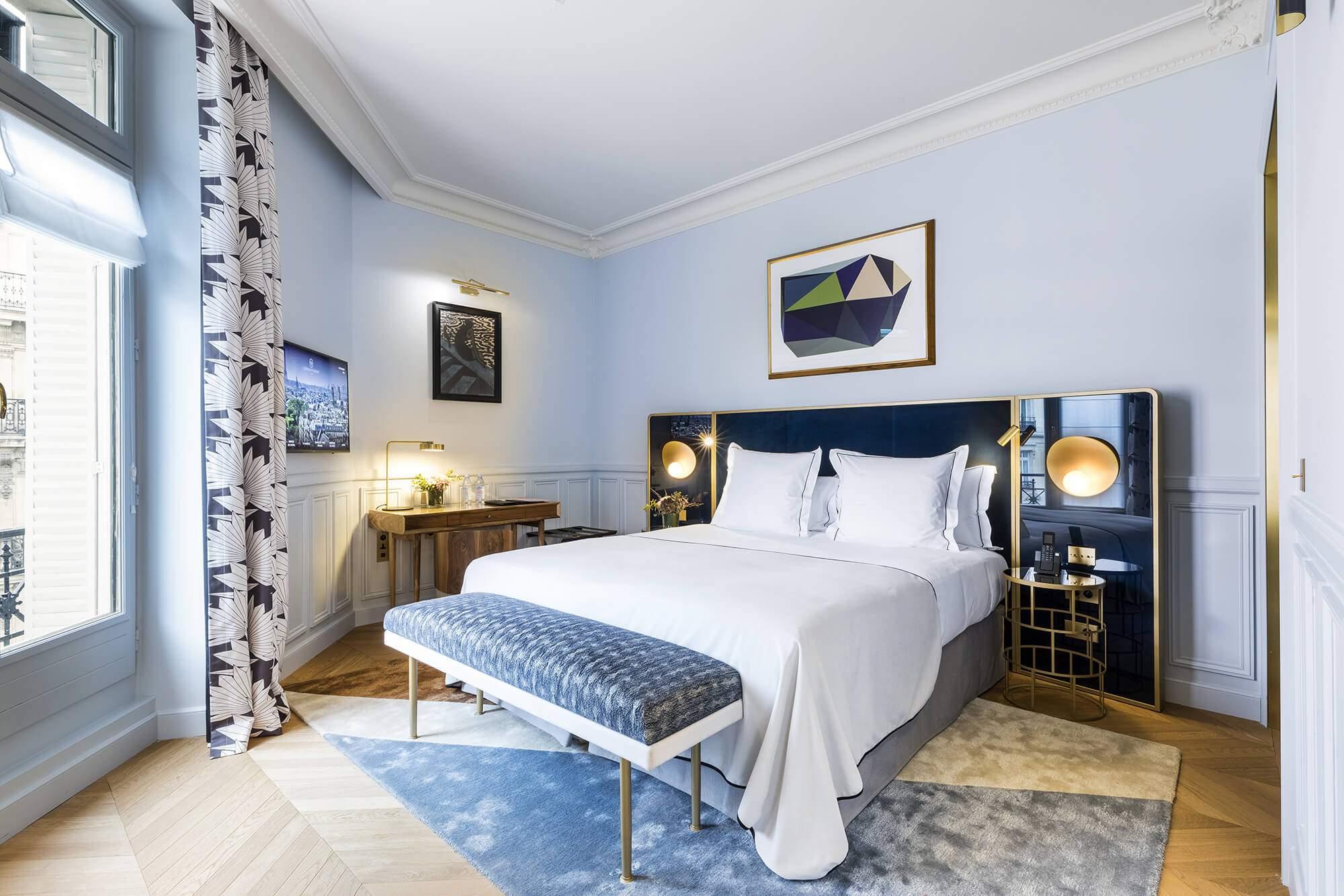 Chambre Deluxe bleu, vue, Grand Powers, hotel, Paris 8ème