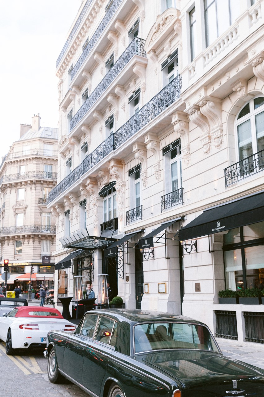 Grand Powers, Paris 8th, Hotel front
