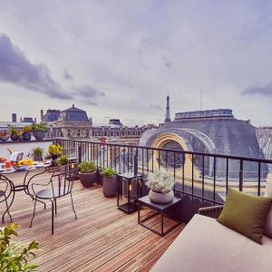 Suite panoramique, vue Tour Eiffel, Grand Hôtel du Palais Royal, Paris 1er