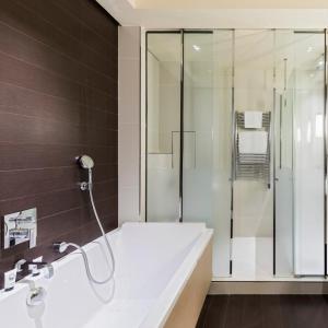 Junior suite, salle de bain, Grand Hôtel du Palais Royal, Paris 1er