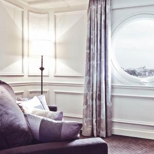 Junior suite prestige, salon, Grand Hôtel du Palais Royal, Paris 1er