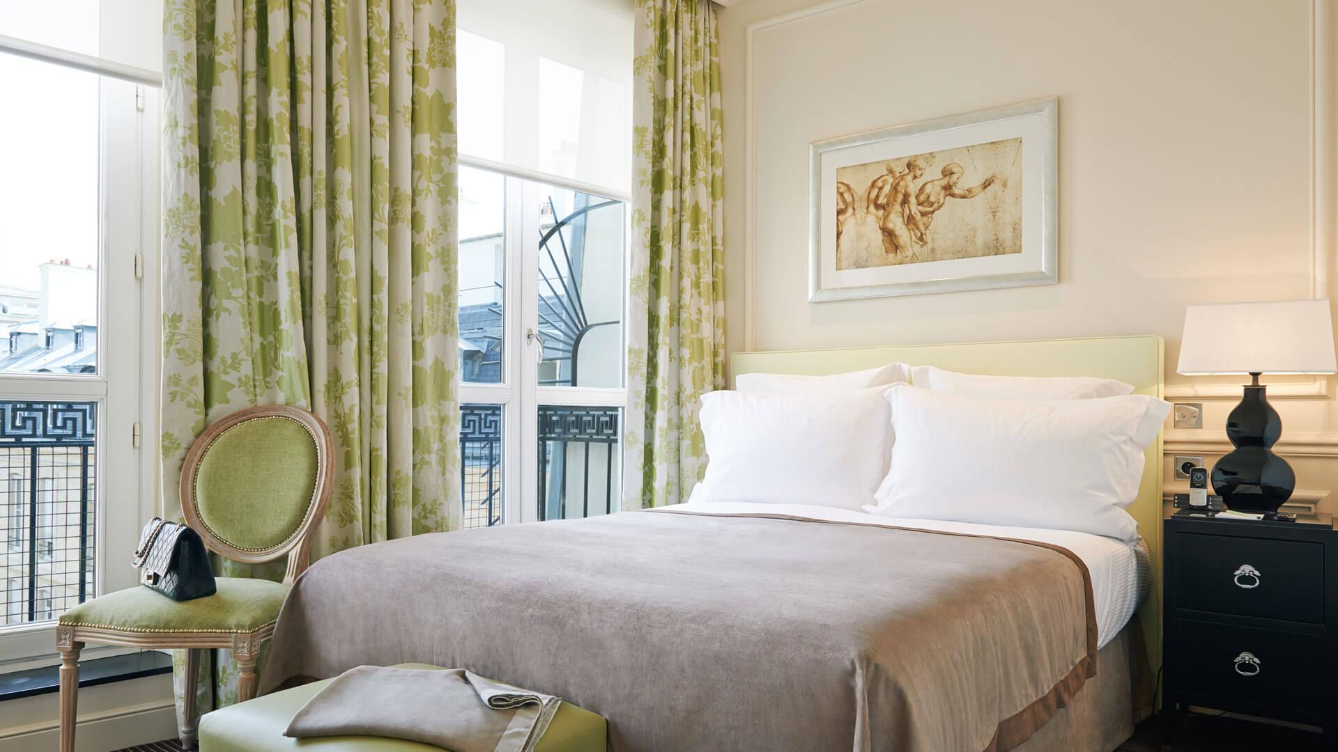 Superior room, bed, Grand Hôtel du Palais Royal, Paris 1st
